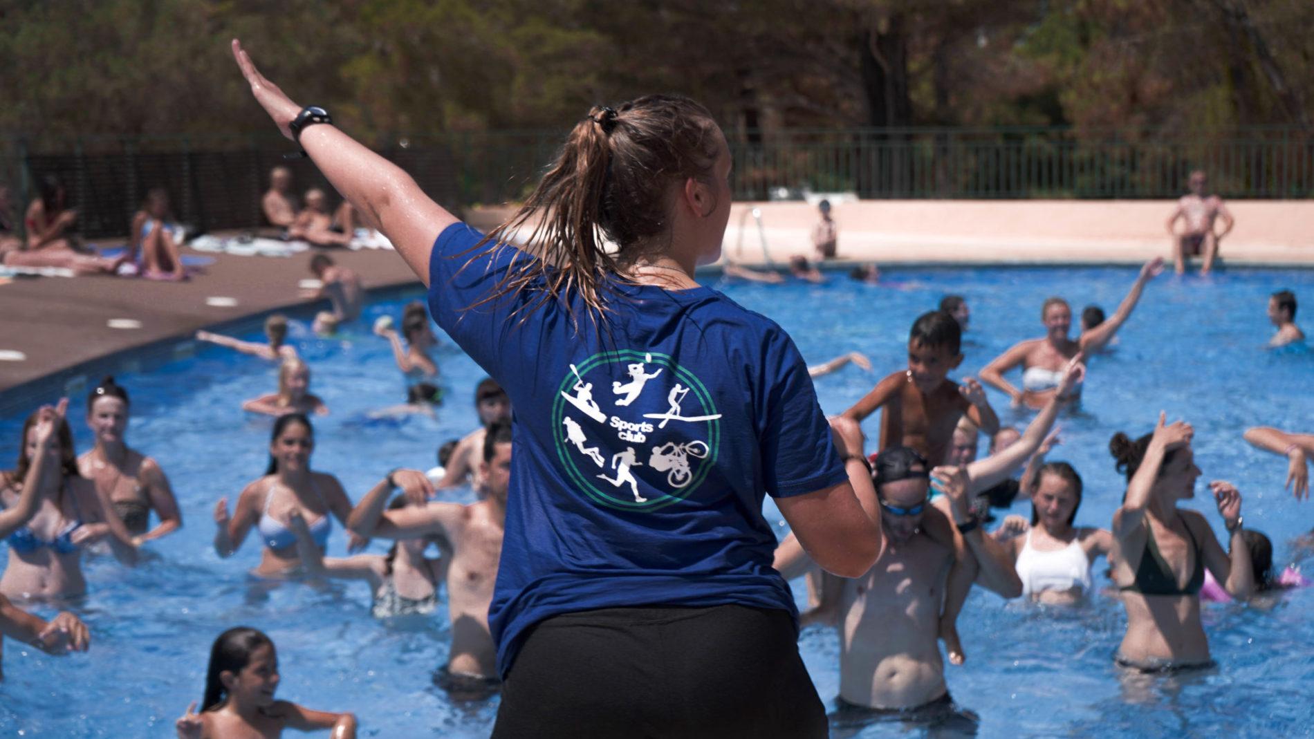 Actividad deportiva en el Sportsclub de camping internacional de calonge.